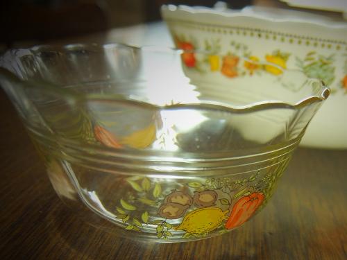 パイレックス野菜柄カスタードカップ