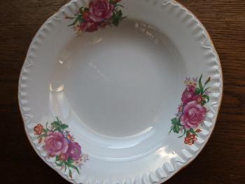 レトロな花柄食器