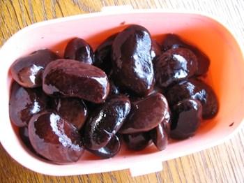豆甘煮にラム酒をかける