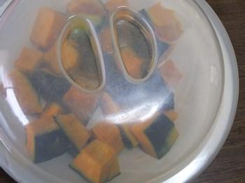 ふんわりラップをかけるかレンジ用のフタをする