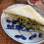 小松菜と卵のホットサンド