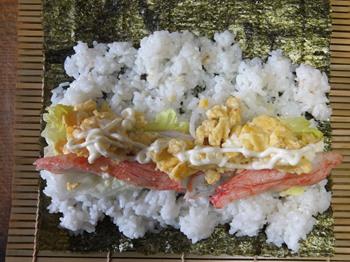 適当にのせた巻き寿司