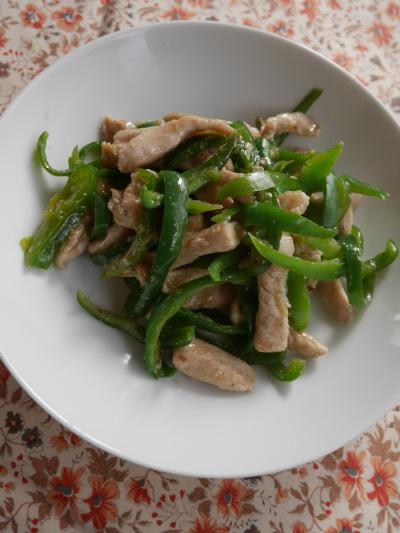 鶏の青椒肉絲