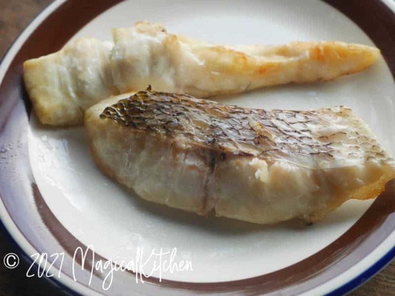 焼いた鯛の切り身