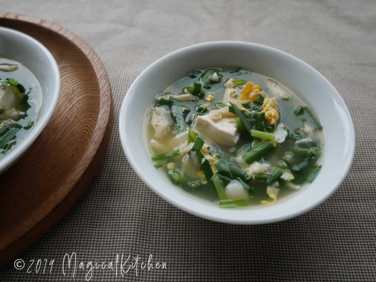 ニラときのこの卵スープ