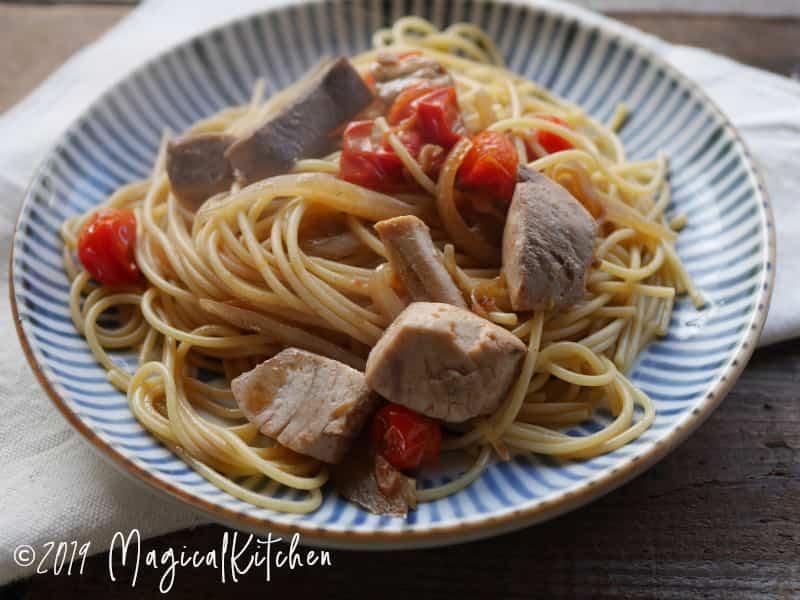 カツオとトマトのしょうゆスパゲッティ