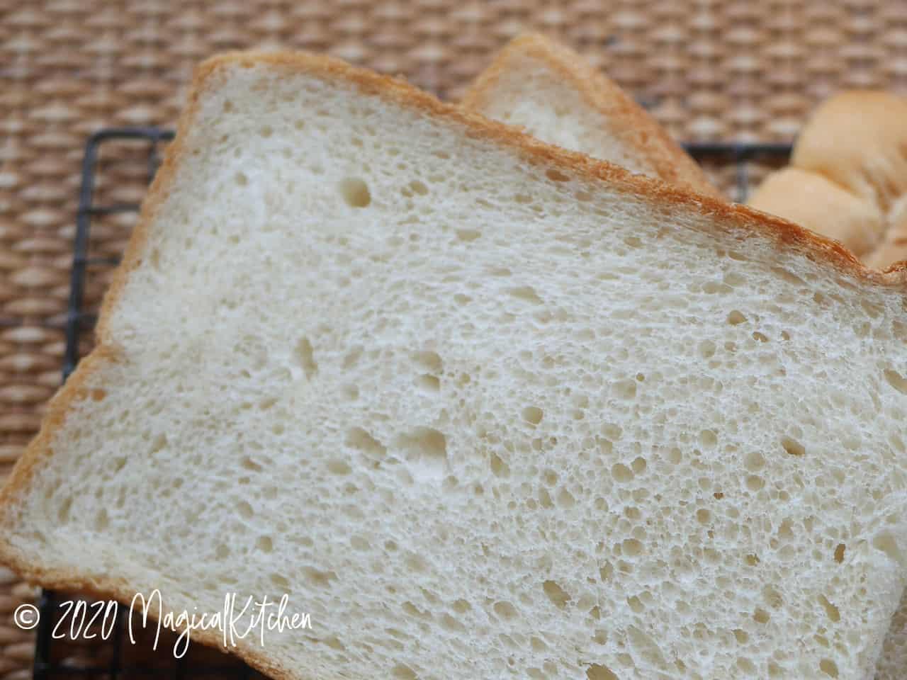 卵入り生クリーム食パン