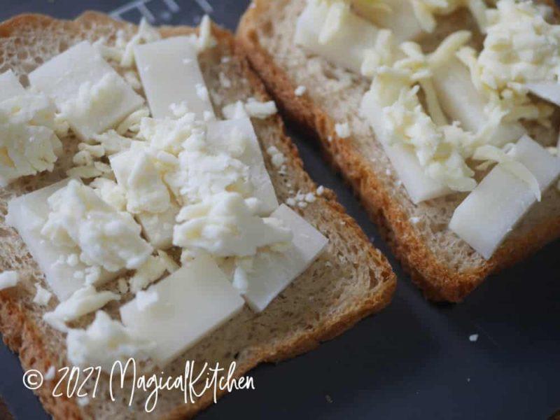 パンに餅とチーズ